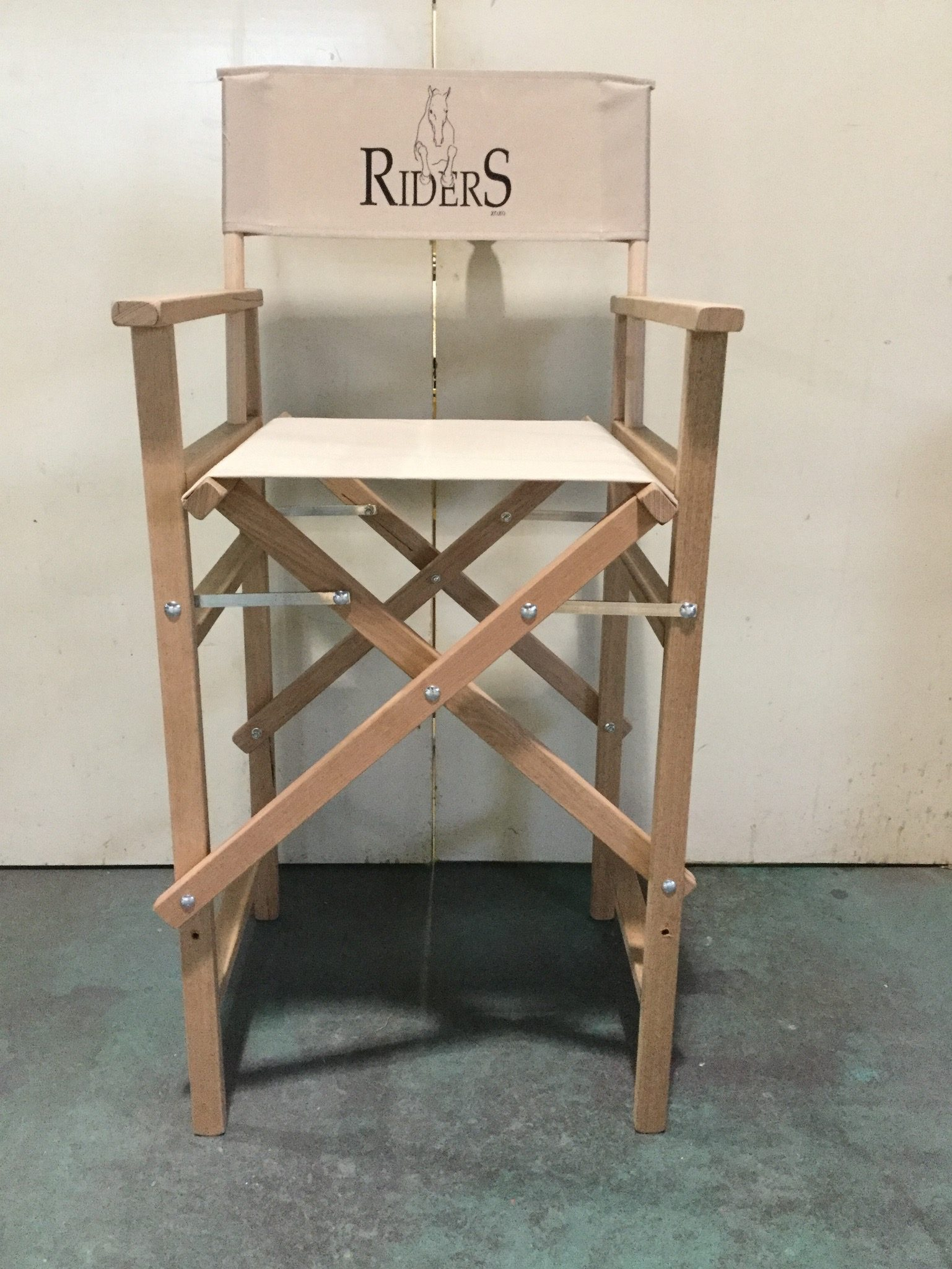Make-up-Chair-Riders